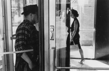 Lee_friedlander_revolving_door