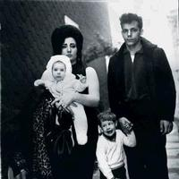 Arbus_brooklyn_family