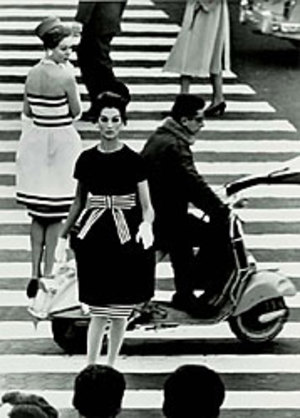 http://modernartobsession.blogs.com/modern_art_obsession/images/klein_piazza_di_spagna_rome_vogue_1960.jpg