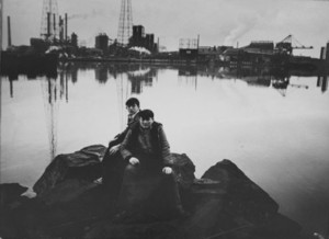 Tress_two_boys_on_passaic_river